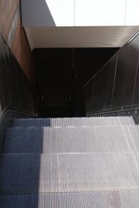 Rolltreppe runter